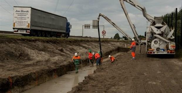 Τοίχος μήκους 1 χλμ κατασκευάζεται στο Καλαί