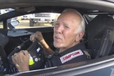 Παππούς «τα σπάει» με Lamborghini πιάνοντας 363 km/h (βίντεο)