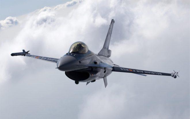Πιλότος F – 16 λιποθύμησε στο κόκπιτ – Δείτε τι τον έσωσε στο παρά πέντε(ΒΙΝΤΕΟ)