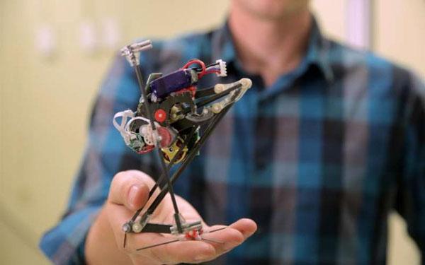 Ρομπότ με ένα πόδι κάνει… παρκούρ