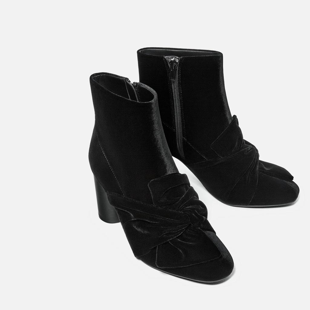 Έχουν σπάσει ταμεία: Αυτά είναι τα εκκεντρικά παπούτσια που θα φοράνε όλες την Πρωτοχρονιά!