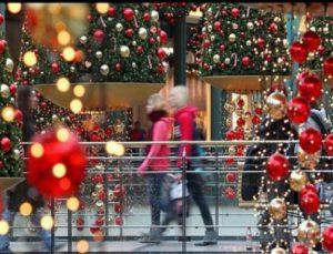 Ποιες ώρες θα είναι ανοιχτά τα καταστήματα το τριήμερο των Χριστουγέννων