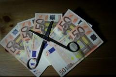 Συντάξεις: Ποια επιδόματα κόβονται σε 15 ταμεία! Μειώσεις από 10% έως 18% (Πίνακας)