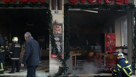 Μία νεκρή από την έκρηξη στο κατάστημα στην πλ. Βικτωρίας