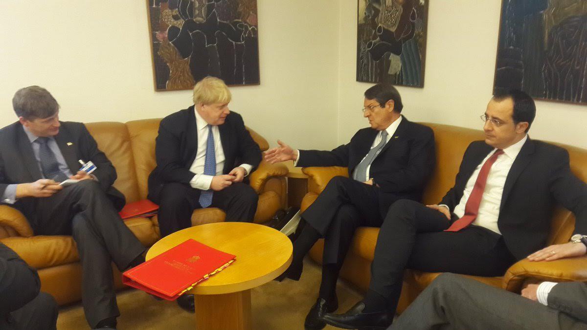 Σε εξέλιξη, η ιστορική διάσκεψη στη Γενεύη για την Κύπρο