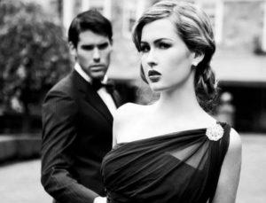 Είσαι ακόμα single; Αυτά είναι τα 4 λάθη που κάνεις και διώχνεις τους άντρες μακριά σου