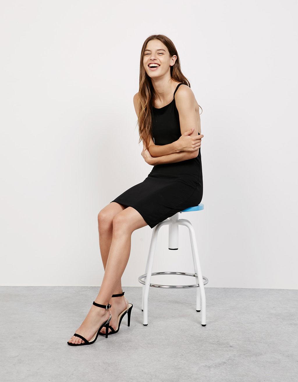Τρέξτε να προλάβετε! Τα πιο πρωτότυπα casual φορέματα της αγοράς κοστίζουν λιγότερο από 4 ευρώ