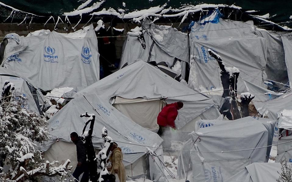 Κομισιόν: Ανεπαρκής η κατάσταση στα κέντρα προσφύγων – Ευθύνη των ελληνικών αρχών
