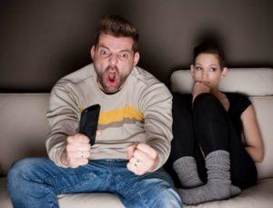 Κορίτσια προσοχή! 5 πράγματα που πρέπει να ξέρεις για τους άντρες σε καιρό Μουντιάλ