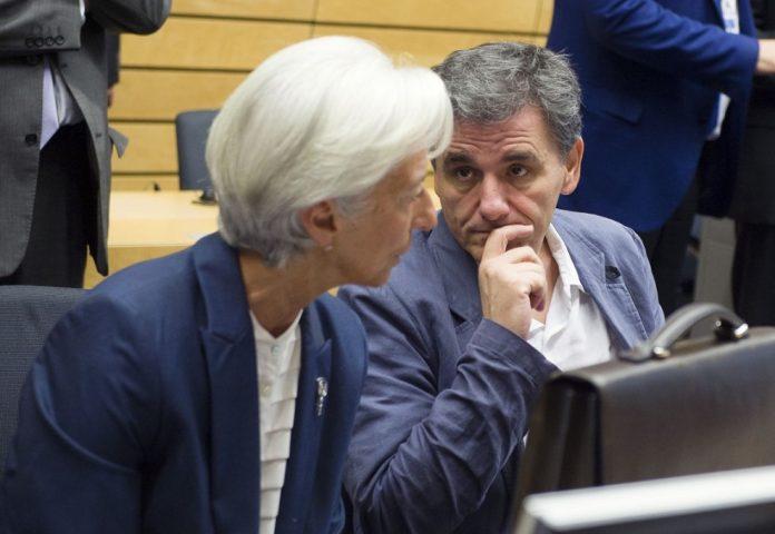 Επιμένει το ΔΝΤ για μείωση αφορολόγητου και συντάξεων
