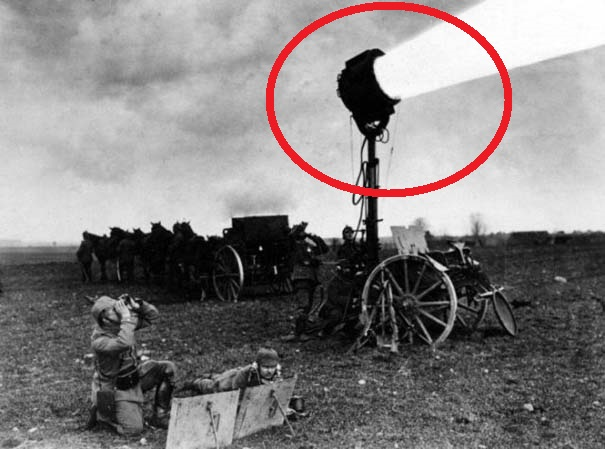 """Πέντε παράξενες φωτογραφίες του Β"""" Παγκοσμίου Πολέμου που θα σας «πάρουν» τα μυαλά! [video]"""