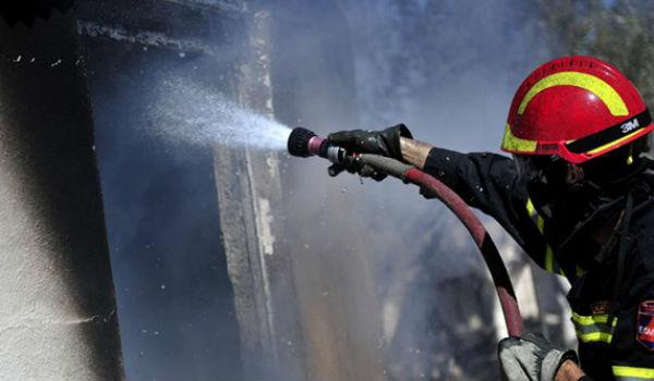 Ένας νεκρός από πυρκαγιά σε διαμέρισμα στους Αμπελόκηπους