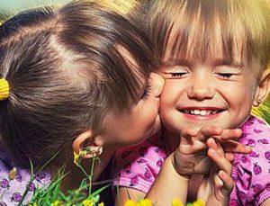 Η πιο γλυκιά έρευνα! Η αδελφή μας δεν είναι απλώς φίλη είναι το μισό της καρδιάς μας