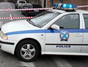 Άγριο έγκλημα στο Περιστέρι: Πυροβόλησαν τους γονείς στο κεφάλι και μαχαίρωσαν τον γιο!