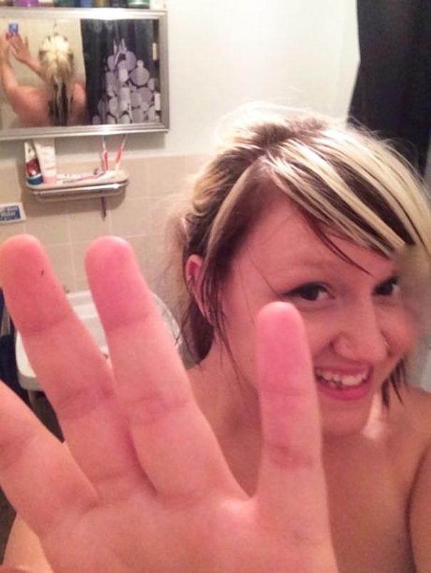 Ξεκαρδιστικές selfies με το χειρότερο φόντο (εικόνες)