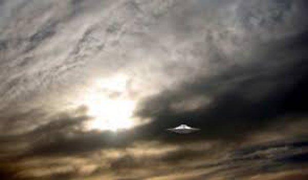 Το ανέκδοτο σύγγραμα του Τσώρτσιλ για τους εξωγήινους