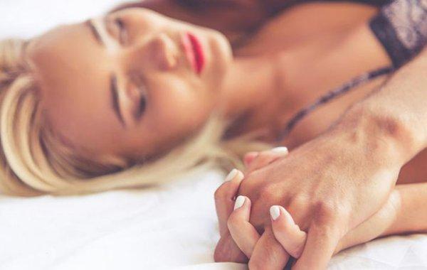 Ποια είναι η πιο «δημοφιλής» μέρα και ώρα για σeξ