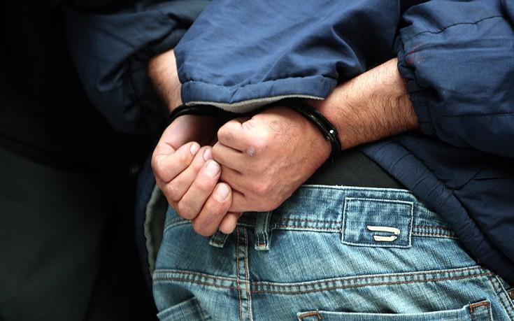 Πάτρα: Συλλήψεις για κλοπές σε πρακτορεία του ΟΠΑΠ