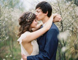 Βρίσκεσαι σε μια «τραυματισμένη» σχέση; Αυτά είναι τα σημάδια που δεν πρέπει να αγνοήσεις