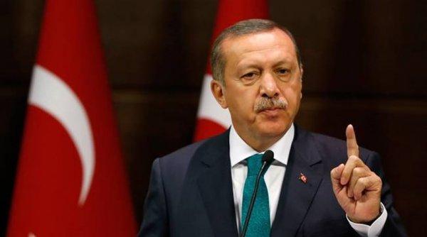 """Ο Ερντογάν """"απειλεί"""" την Ευρώπη και με δεύτερο δημοψήφισμα"""
