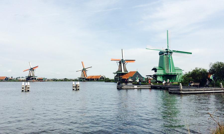 Τα ηλεκτρικά τρένα στην Ολλανδία τροφοδοτούνται μόνο με αιολική ενέργεια!