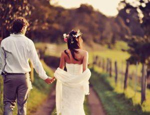 Πας για γάμο; Αυτά είναι όσα πρέπει να σκεφτείς ξανά πριν ανέβεις τα σκαλιά της εκκλησίας