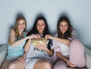 Αναγνώστριες του Youweekly.gr μοιράζονται την εμπειρία τους: «Το καλύτερο «κρεβάτι» που έχω κάνει ποτέ στην ζωή μου ήταν όταν…»