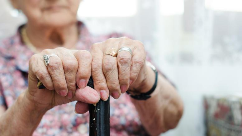 Πύργος: Εξαπάτησαν 83χρονη και της έκλεψαν 17.000 ευρώ