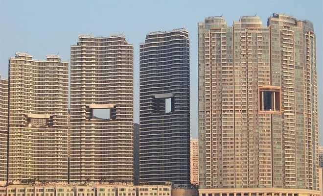 Ο λόγος που οι ουρανοξύστες στο Χονγκ Κονγκ έχουν τρύπες στη μέση ξεπερνά κάθε φαντασία