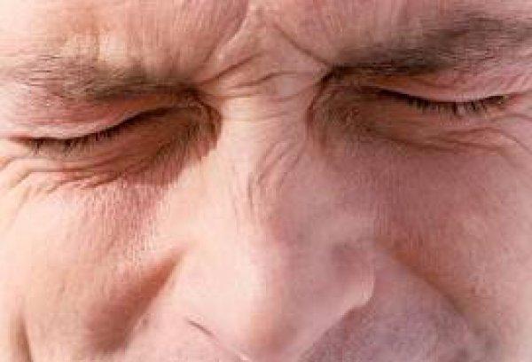 Πως να απαλλαγείτε από τον πόνο στον αυχένα σε 1 λεπτό