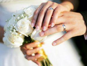 «Ο σύντροφός μου θέλει να καλέσει στον γάμο μας την πρώην του. Πως να το διαχειριστώ;» Η σύμβουλος του Youweekly.gr σου απαντά…