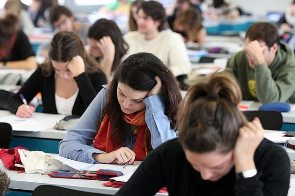 Την επαναφορά των Επαναληπτικών Εξετάσεων των Πανελλαδικών εξετάζει το υπουργείο Παιδείας