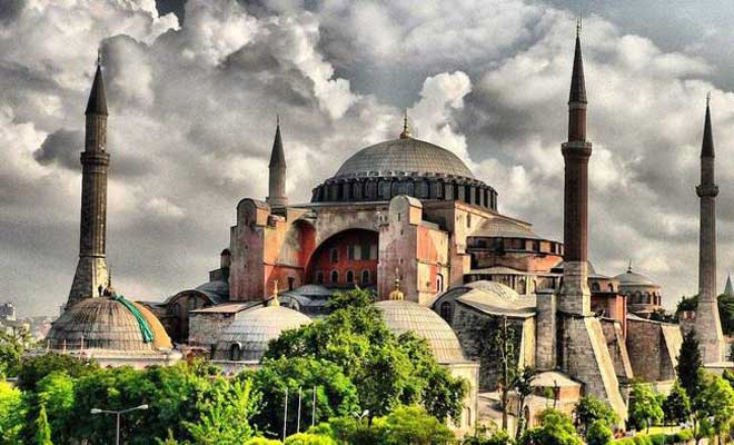Περίεργα γεγονότα στην Αγιά Σοφιά τρομάζουν τους Τούρκους! Τι αναφέρει ο τουρκικός Τύπος