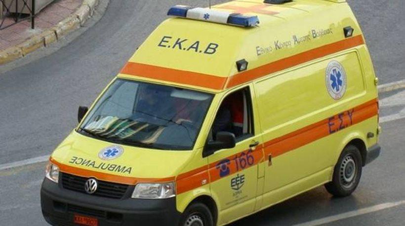 Ηράκλειο: Σύγκρουση αυτοκινήτου με δίκυκλο – Στο νοσοκομείο ένα άτομο