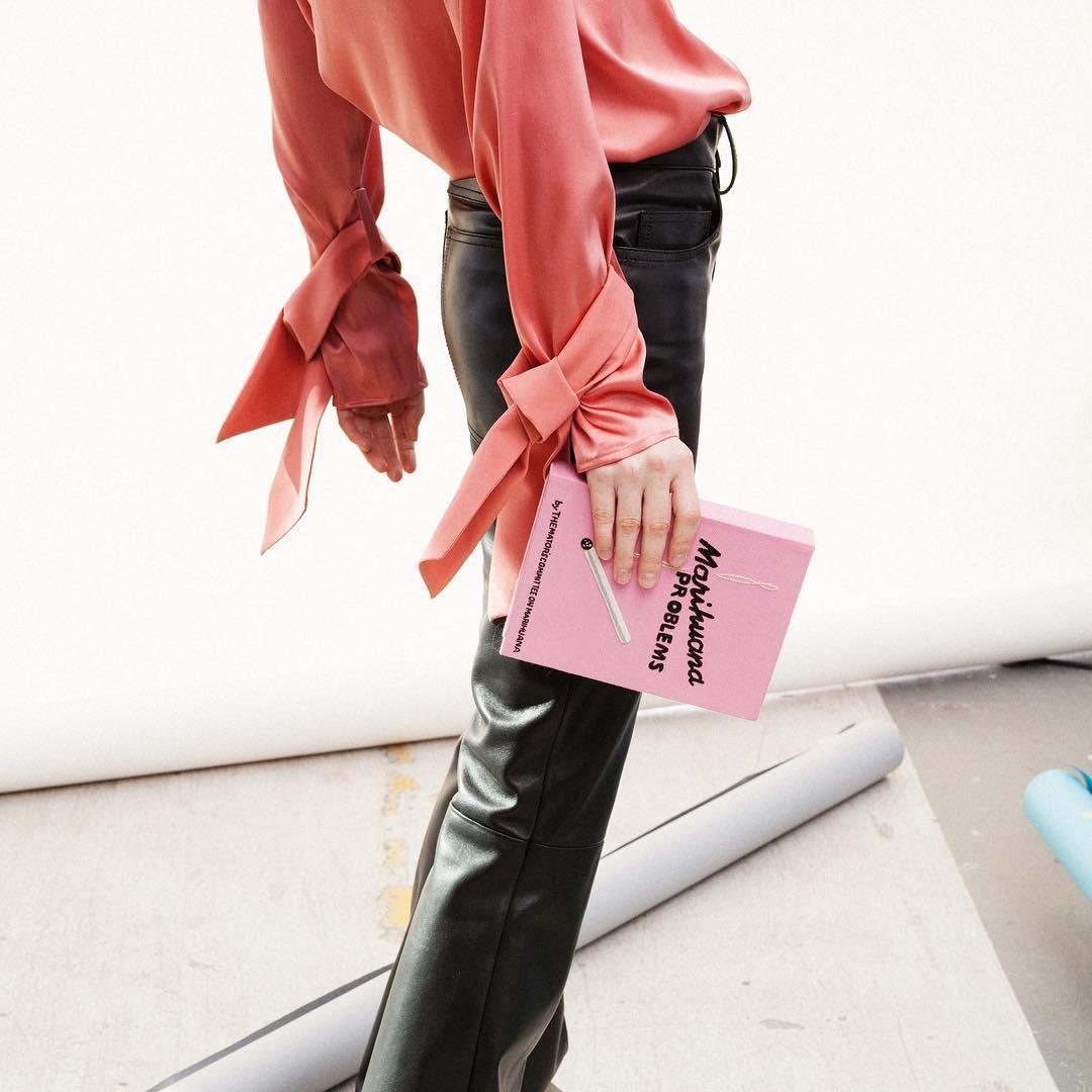 Fashion Rules: Αυτά τα 4 πράγματα κάνουν κάθε μέρα οι πραγματικά στυλάτες γυναίκες