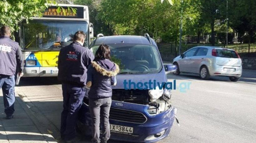 Θεσσαλονίκη: Λεωφορείο του ΟΑΣΘ συγκρούστηκε με δύο ΙΧ – Ένας τραυματίας