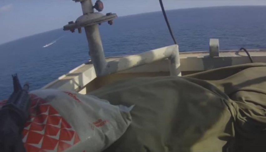 """Aνταλλαγή πυρών μεταξύ μισθοφόρων και Σομαλών πειρατών """"ρίχνει"""" το Διαδίκτυο [βίντεο]"""