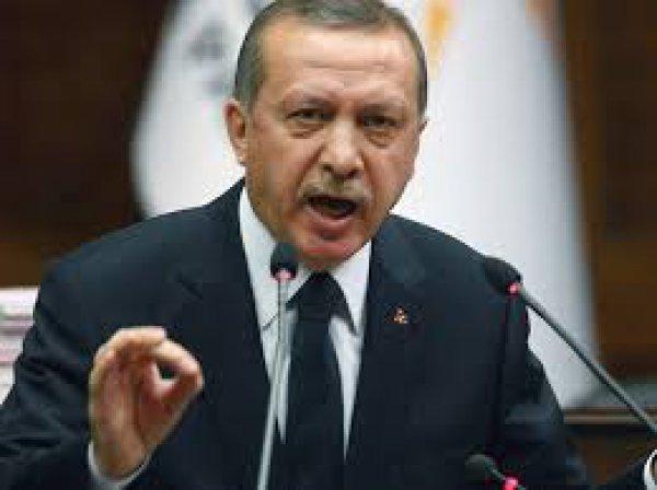 H πρώτη αντίδραση Ερντογάν μετά την οριακή του νίκη στο δημοψήφισμα-Καταγγελίες για »νοθεία»