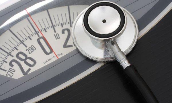 Χάνεις κιλά χωρίς να κάνεις δίαιτα; 7 ανησυχητικές αιτίες για την απώλεια βάρους
