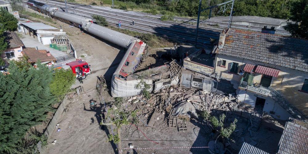 Βαρύ πένθος για τους τρεις νεκρούς της σιδηροδρομικής τραγωδίας στο Άδενδρο (εικόνες)