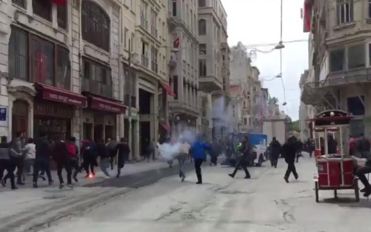 Κωνσταντινούπολη: Τούρκοι επιτέθηκαν σε οπαδούς του Ολυμπιακού – 5 τραυματίες (βίντεο)