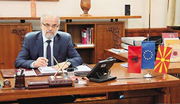 """Ο UCK """"κατέλαβε"""" τα Σκόπια – """"Βράζουν"""" η ΠΓΔΜ και τα Βαλκάνια"""