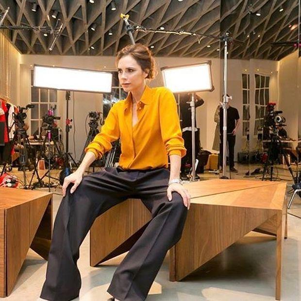H Victoria Beckham φόρεσε δύο φορές το ίδιο σύνολο