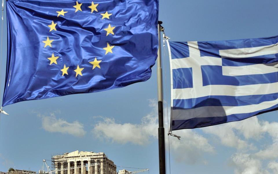 Reuters: Η Αθήνα εξετάζει έξοδο στις αγορές τον Ιούλιο