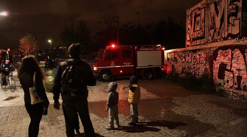 Δύο νεκροί από φωτιές σε αυτοκίνητα στη Βουλιαγμένη και το Κερατσίνι