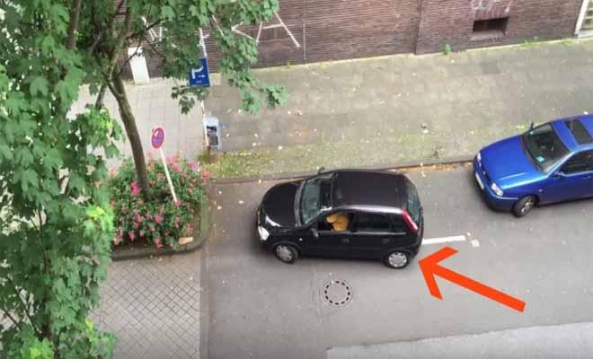 Είδε τη γειτόνισσά του να προσπαθεί να παρκάρει και άρπαξε αμέσως την κάμερα. Αυτό που κατέγραψε θα σας κάνει να λιώσετε!