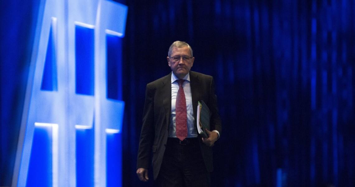Αιχμές Ρέγκλινγκ κατά υπουργών που αρνούνται την ιδιοκτησία του Μνημονίου