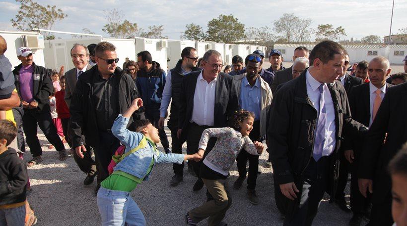 Μουζάλας: Στην Ελλάδα θα μείνουν τελικά 25.000 πρόσφυγες αν αντέξει η συμφωνία με την Τουρκία