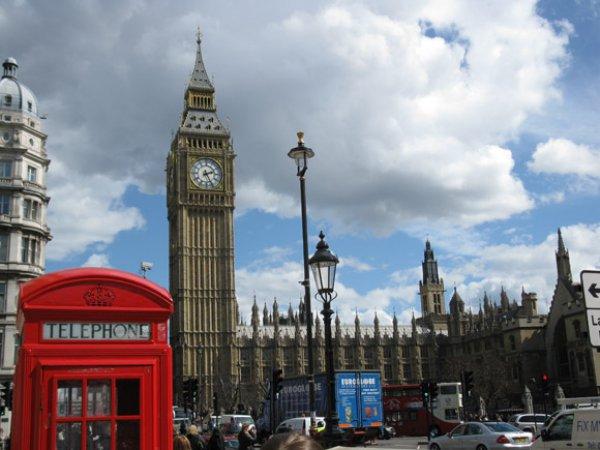 »Αποφύγετε την Βρετανία». Η πρώτη ταξιδιωτική οδηγία κράτους μετά το τρομοκρατικό χτύπημα
