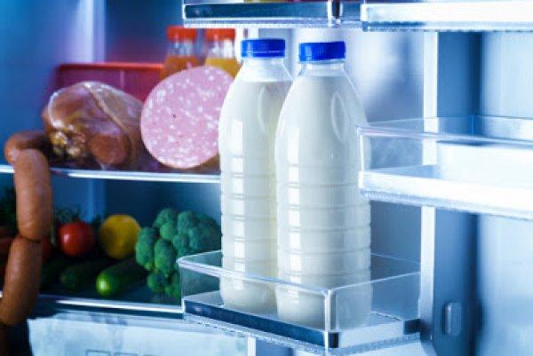 Προσοχή: Γιατί πρέπει να μην βάζετε το γάλα στην πόρτα του ψυγείου